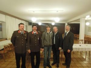 Christian Nagler wurde von der Jugendfeuerwehr in den aktiven Feuerwehrdienst überstellt.