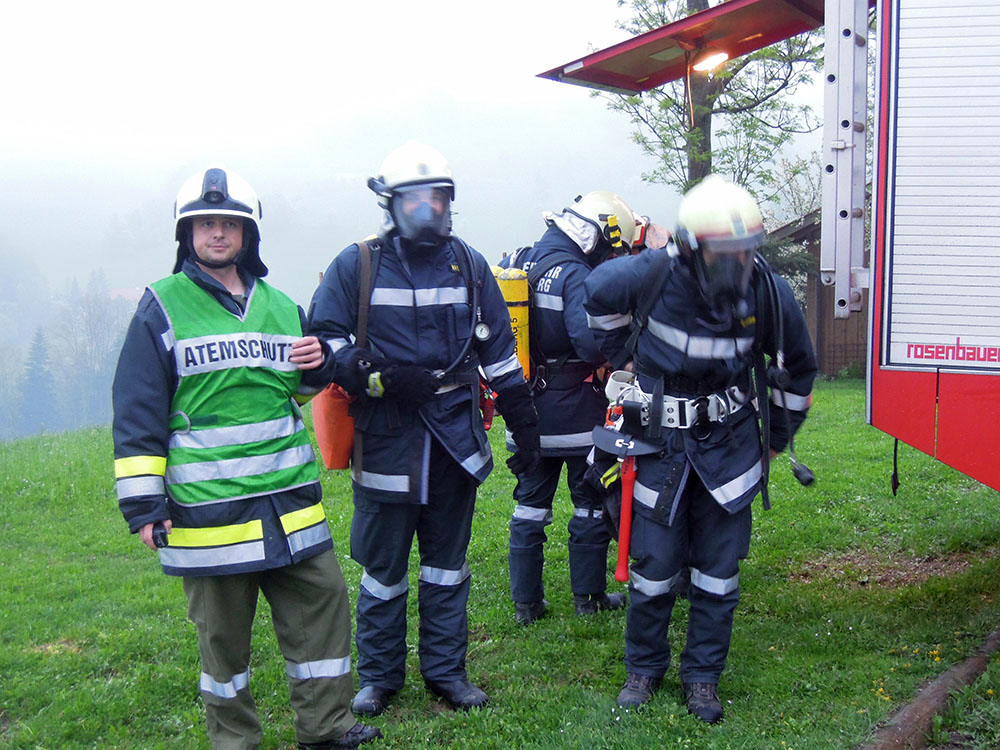 Atemschutz bei der Gemeinschaftsübung Deissenbach
