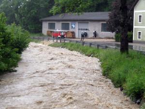 Ramnigtalbach beim Hochwasser 2013.